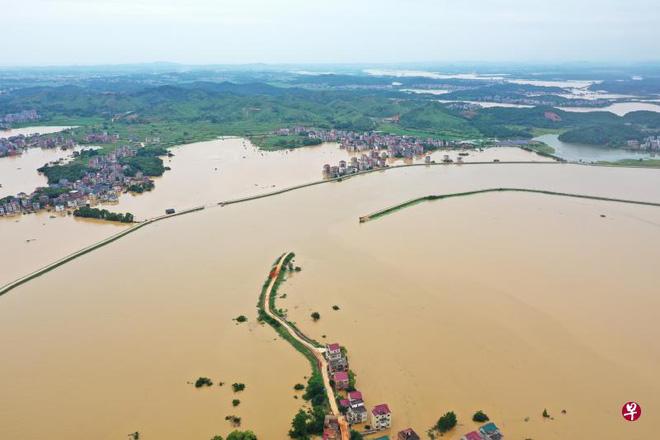 27/31 tỉnh TQ hứng hồng thủy: Gần 40 triệu người gặp họa, kích hoạt sự bảo hiểm cuối cùng ngăn lũ Trường Giang - Ảnh 2.