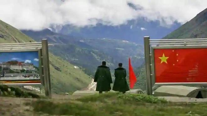 Đối phó với Trung Quốc, Ấn Độ xây hầm ngầm chiến lược xuyên lòng sông để vận chuyển vũ khí - Ảnh 1.