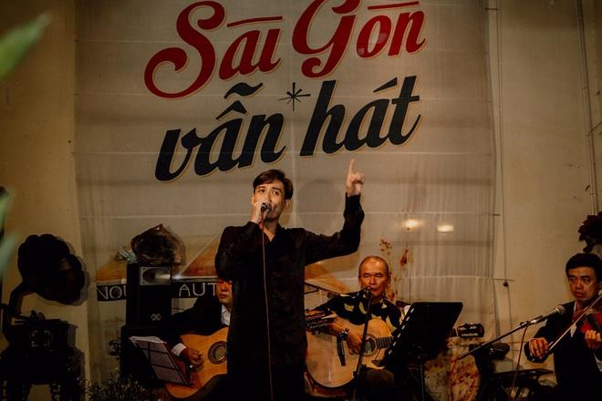 Ca sĩ Bảo Đăng và cú sốc: Thủ khoa Nhạc viện đi hát, khán giả đuổi xuống khỏi sân khấu - Ảnh 3.