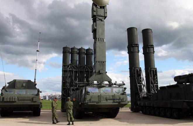 LNA của tướng Haftar bất ngờ đưa tên lửa S-300 ra trận: Tin sốc, vũ khí khủng ở đâu ra? - Ảnh 1.