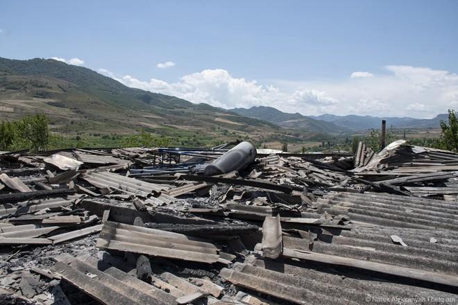 Armenia tuyên bố bắn hạ 13 UAV, Azerbaijan phản ứng gay gắt: Đó là tin giả! - Ảnh 10.