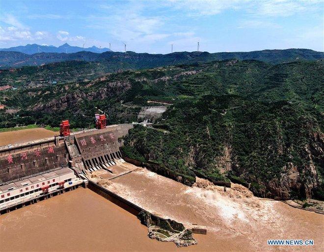 [Ảnh] TQ: Đập thủy điện gây tranh cãi trên sông Hoàng Hà xả lũ, sẵn sàng đối phó đợt lũ mới - Ảnh 5.