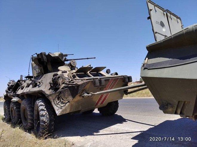 Lao xe bom vào Quân cảnh Nga, khủng bố Syria trả giá đắt: Quái thú BTR-82A lập công lớn - Ảnh 4.