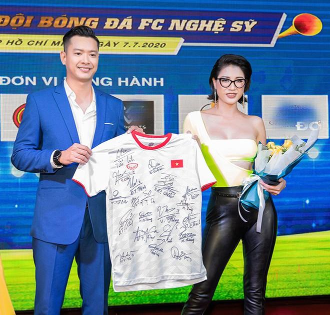 Trang Trần: Bỏ 50 triệu mua một chiếc áo với tôi không có gì quá to tát - Ảnh 4.
