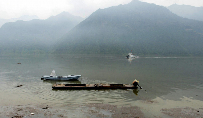 TQ cấm đánh bắt cá 10 năm trên sông Dương Tử: 30 vạn lao động mất việc và câu trả lời của chính quyền - Ảnh 1.