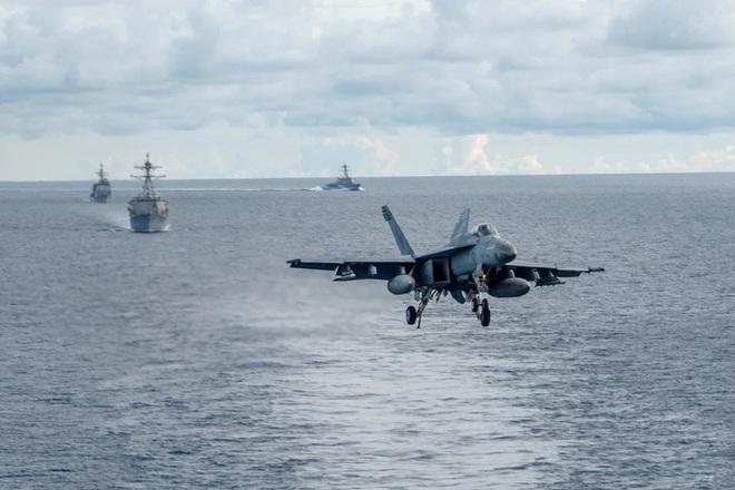 Hải quân Mỹ tập trận ở biển Đông hôm 6-7. Ảnh: Hải quân Mỹ