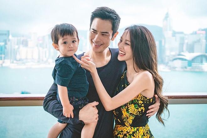 Hoa hậu Hong Kong khiến con trai vua sòng bài Macau say đắm ngày càng gợi cảm khi mang bầu - Ảnh 8.