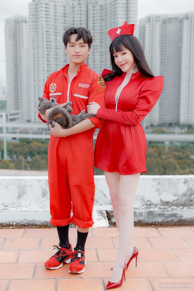 Việt Thắng tình tứ với Elly Trần trong sản phẩm tái xuất - Ảnh 2.