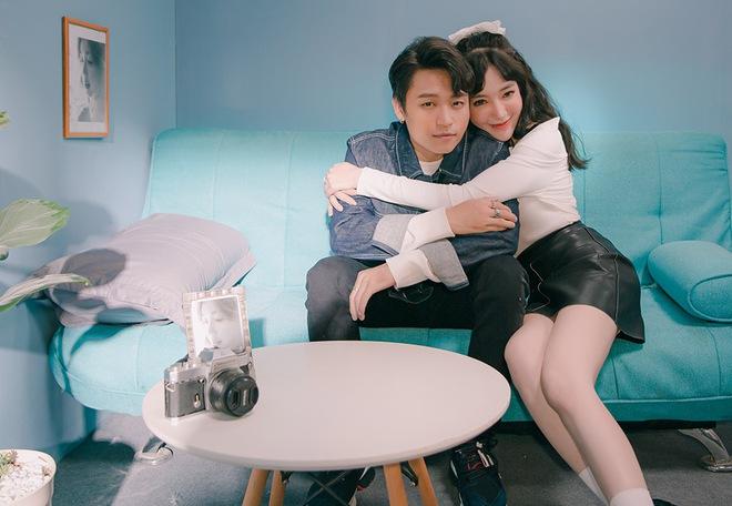 Việt Thắng tình tứ với Elly Trần trong sản phẩm tái xuất - Ảnh 7.