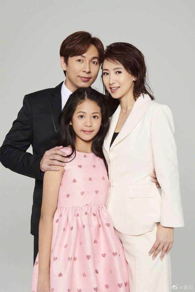Hoa hậu Châu Á bị bố mẹ từ mặt vì đóng phim nóng, chồng hắt hủi đuổi khỏi nhà giờ ra sao? - Ảnh 8.