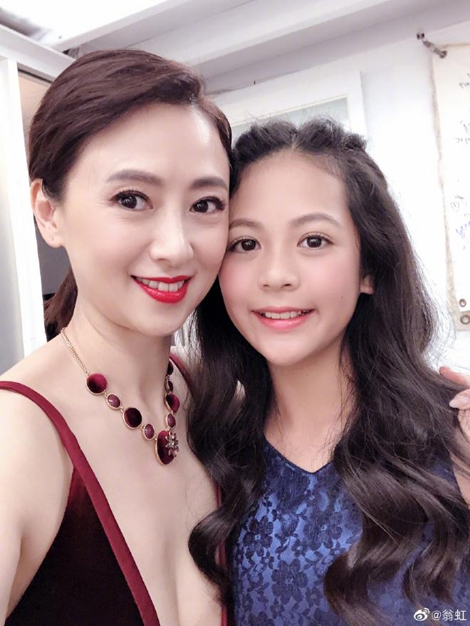 Hoa hậu Châu Á bị bố mẹ từ mặt vì đóng phim nóng, chồng hắt hủi đuổi khỏi nhà giờ ra sao? - Ảnh 9.