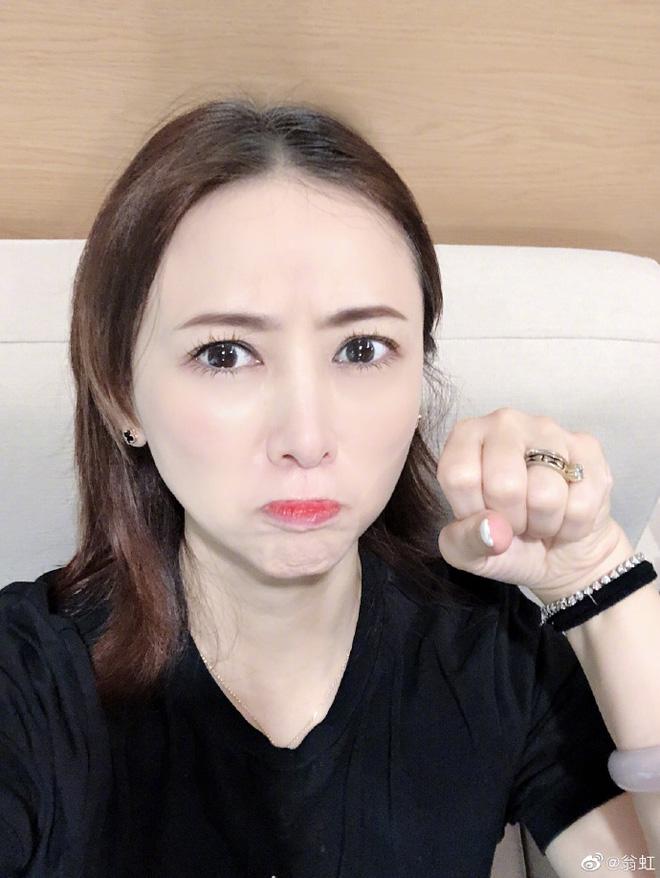 Hoa hậu Châu Á bị bố mẹ từ mặt vì đóng phim nóng, chồng hắt hủi đuổi khỏi nhà giờ ra sao? - Ảnh 15.