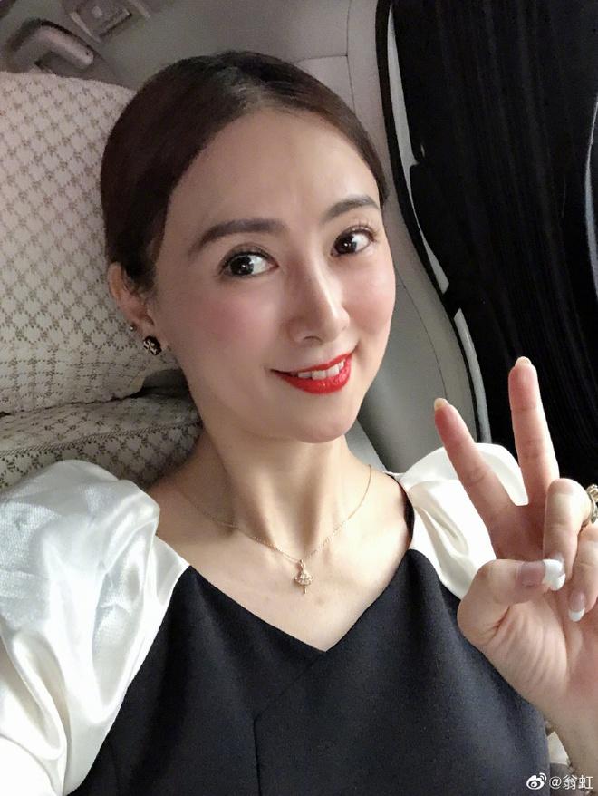 Hoa hậu Châu Á bị bố mẹ từ mặt vì đóng phim nóng, chồng hắt hủi đuổi khỏi nhà giờ ra sao? - Ảnh 16.