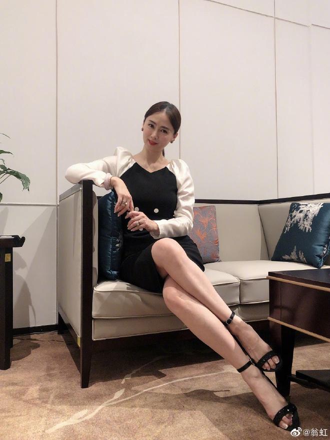 Hoa hậu Châu Á bị bố mẹ từ mặt vì đóng phim nóng, chồng hắt hủi đuổi khỏi nhà giờ ra sao? - Ảnh 14.