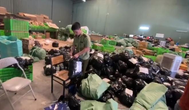 Kiểm tra 100.000 sản phẩm, doanh nghiệp do người Trung Quốc làm chủ ở Hà Nội chỉ trình được... 1 hóa đơn - Ảnh 1.