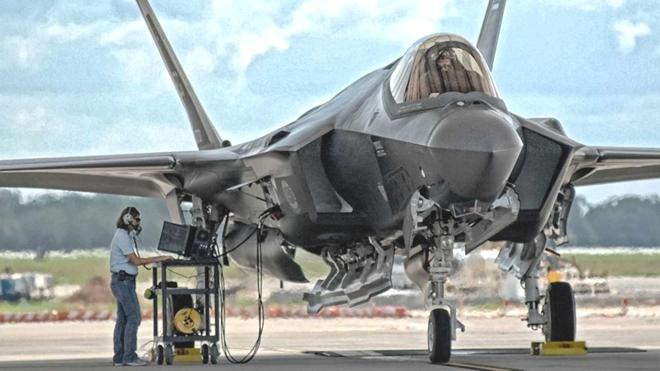 Thổ Nhĩ Kỳ mua S-400 làm giá tiêm kích tàng hình F-35 tăng phi mã: Mỹ lo hơn là mừng - Ảnh 1.