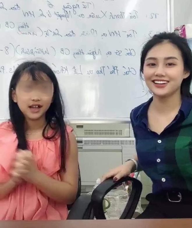 Nổi tiếng sau đoạn clip vui đùa cùng học sinh, cô giáo xinh đẹp tiết lộ sự thật bất ngờ - Ảnh 2.