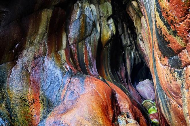 Bí ẩn hang động màu cầu vồng bị lãng quên ở Mỹ có khả năng chữa bách bệnh - Ảnh 5.