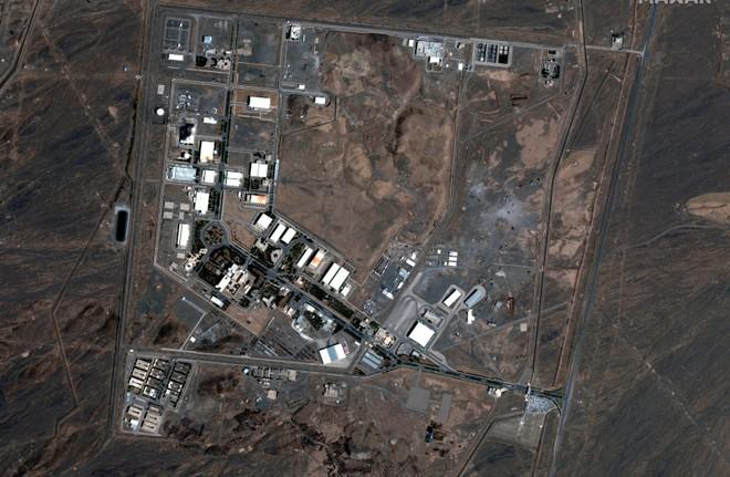 Bất ngờ thuyết âm mưu về 12 vụ cháy nổ liên tiếp ở Iran: Chịu đấm ăn xôi là có thật? - Ảnh 1.