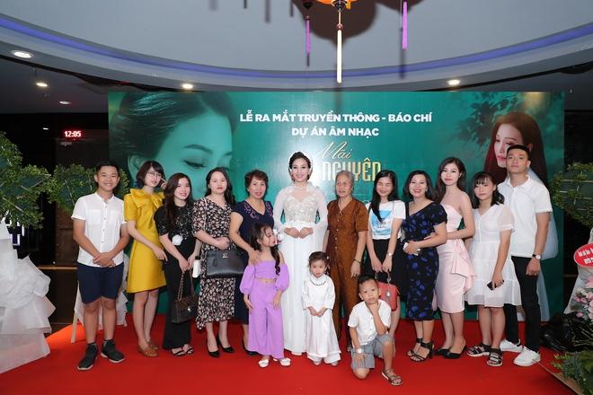 Xúc động với dự án âm nhạc Mãi vẹn nguyên của Sao Mai Huyền Trang - Ảnh 2.