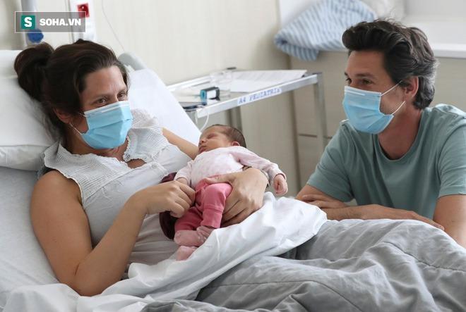 85 trẻ em dưới 2 tuổi mắc COVID-19 tại 1 hạt của bang Texas giữa lúc Mỹ ghi nhận kỷ lục mới về số ca nhiễm - Ảnh 3.