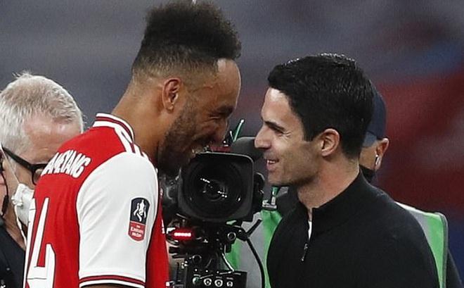 Arsenal hạ gục Man City, HLV Arteta nói ngay 1 điều về Aubameyang