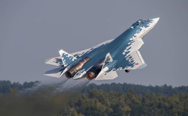 """Truyền thông Trung Quốc """"dìm hàng"""" tiêm kích Su-57 Nga: Cú ra chiêu hoàn toàn mới"""