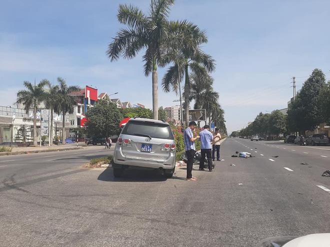 Xe của Ủy Ban kiểm tra Tỉnh ủy Nghệ An đâm văng cô gái đi xe máy điện trên đại lộ Lê Nin - Ảnh 3.
