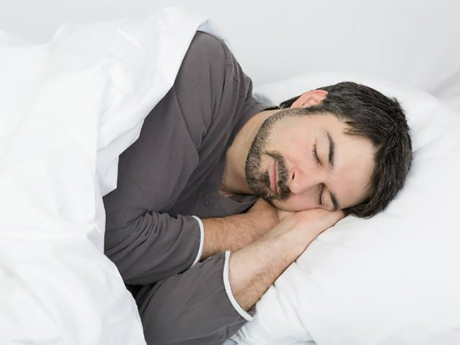 Điều gì luôn khiến bạn thức dậy muộn và mệt mỏi? - Ảnh 2.