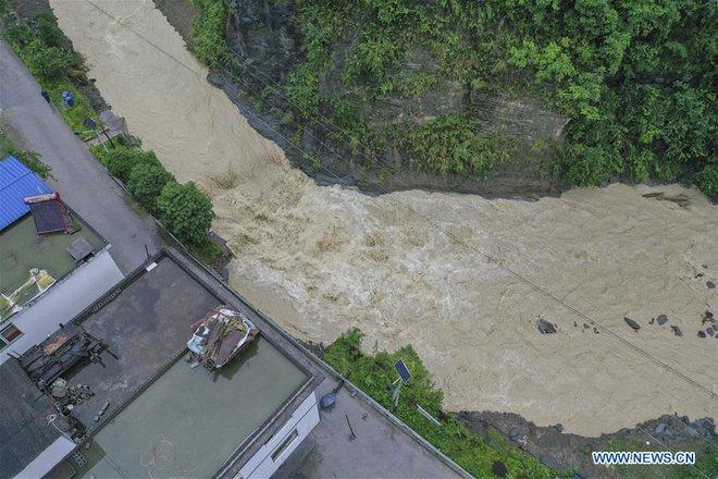 Hàng trăm con sông vượt mức nước báo động, thiệt hại không kể xiết: TQ lại tiếp tục đón hung tin - Ảnh 5.