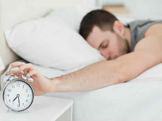 Điều gì luôn khiến bạn thức dậy muộn và mệt mỏi? - Ảnh 3.