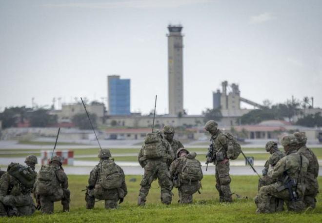 Lính dù Mỹ ồ ạt tập trận đánh chiếm đảo ở Thái Bình Dương - ảnh 3