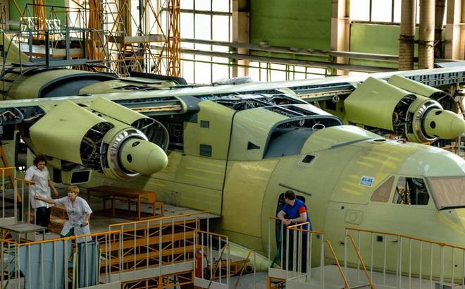 Nga chế tạo máy bay siêu hạng IL-112V: Có điều gì đó sai sai?