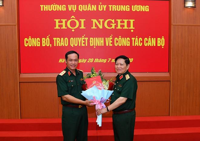 Đại tướng Ngô Xuân Lịch trao quyết định bổ nhiệm Thứ trưởng Bộ Quốc phòng cho 3 Tư lệnh - Ảnh 1.