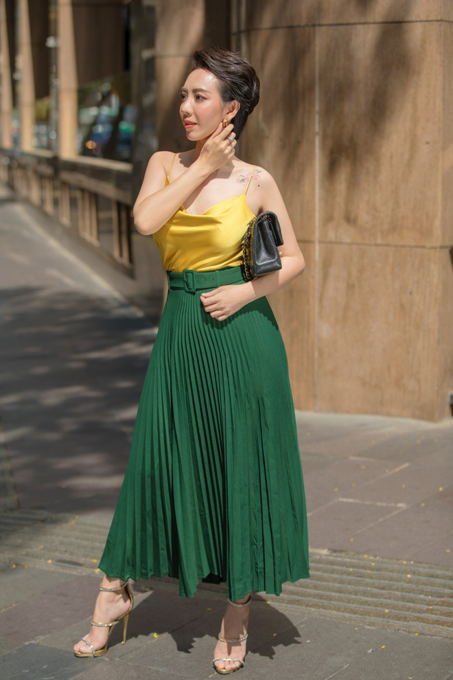 Hoa hậu hài Thu Trang mặc gợi cảm đi dạo phố - Ảnh 7.