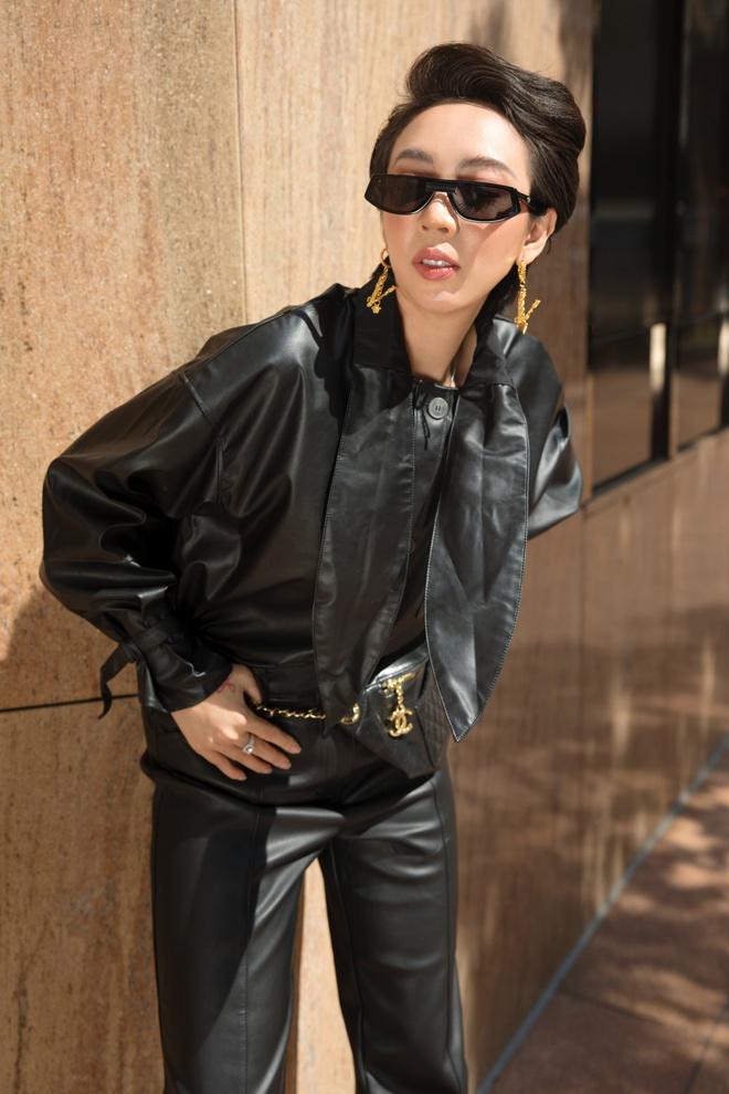Hoa hậu hài Thu Trang mặc gợi cảm đi dạo phố - Ảnh 13.