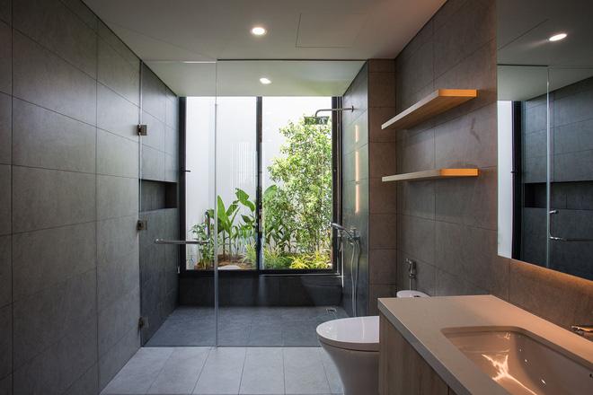 Ngôi nhà 230 m2 với phần quan trọng nhất là khu bếp và mảnh vườn nhỏ - Ảnh 11.