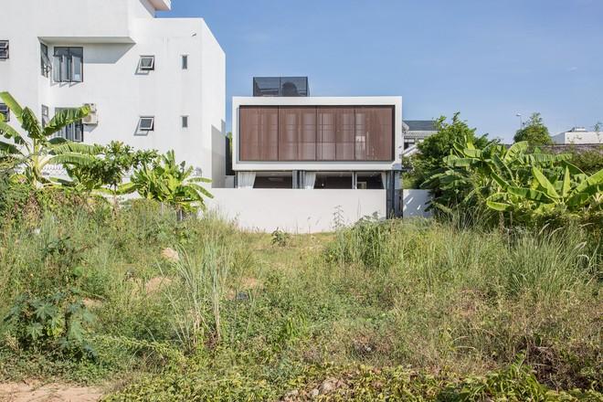 Ngôi nhà 230 m2 với phần quan trọng nhất là khu bếp và mảnh vườn nhỏ - Ảnh 13.