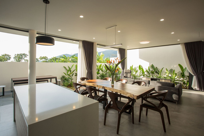 Ngôi nhà 230 m2 với phần quan trọng nhất là khu bếp và mảnh vườn nhỏ - Ảnh 6.