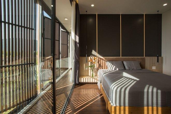 Ngôi nhà 230 m2 với phần quan trọng nhất là khu bếp và mảnh vườn nhỏ - Ảnh 7.