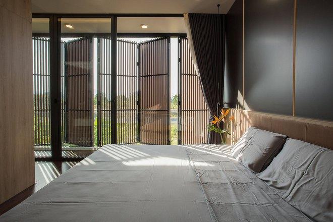 Ngôi nhà 230 m2 với phần quan trọng nhất là khu bếp và mảnh vườn nhỏ - Ảnh 8.