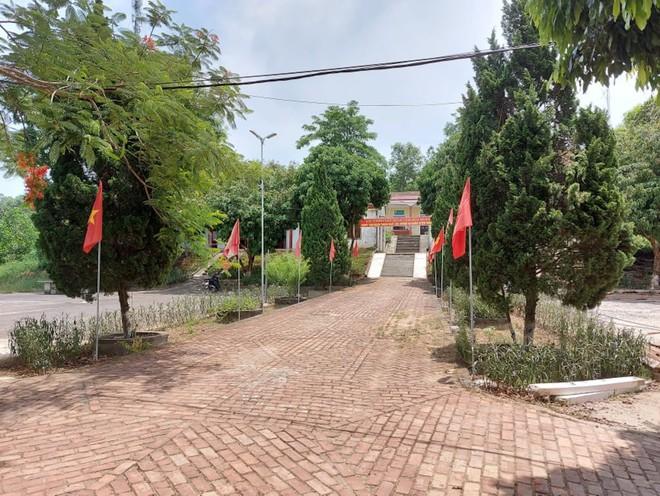 Huyện ra hình thức xử lý vụ Chủ tịch xã quan hệ bất chính với nữ Chủ tịch Hội nông dân - Ảnh 1.