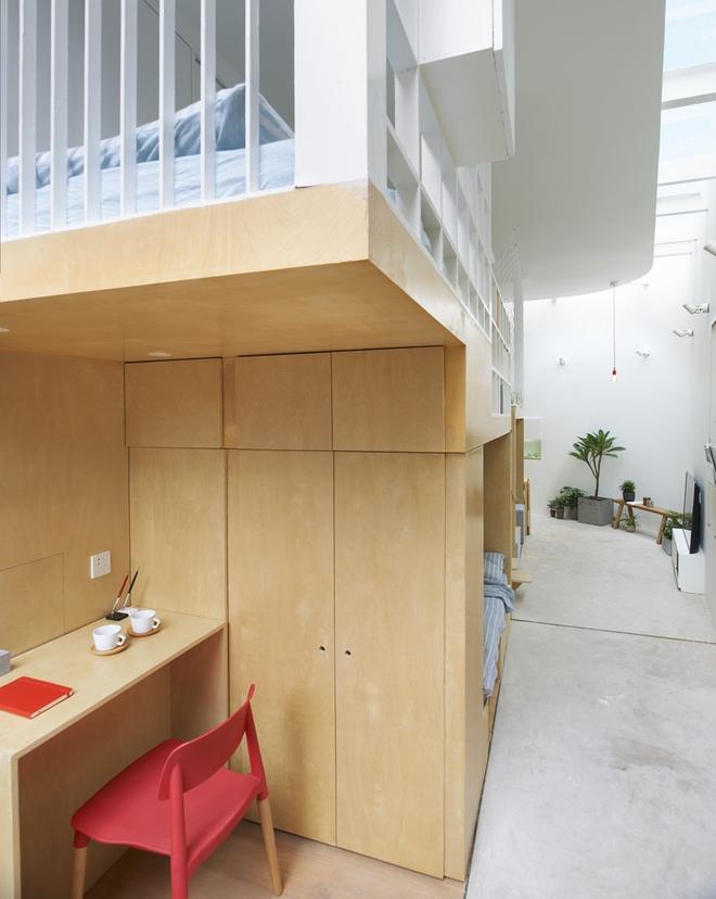 Với thiết kế độc đáo, miếng đất vẹo vọ, chẳng giống ai trở thành một kiệt tác kiến trúc - Ảnh 2.