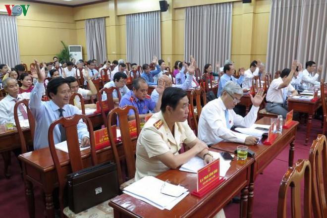 Miễn nhiệm chức Chủ tịch UBND tỉnh Quảng Ngãi với ông Trần Ngọc Căng - Ảnh 2.