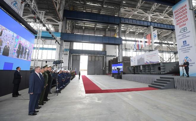Nga đóng tàu ngầm hạt nhân mang tên lửa siêu vượt âm - Ảnh 4.
