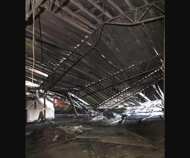 Hình ảnh chiến hạm tỷ đô của Mỹ hóa sắt vụn sau 4 ngày bốc cháy dữ dội - Ảnh 5.