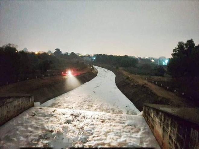 Nhiều sông, suối ở Bình Dương đang bị đầu độc? - Ảnh 5.