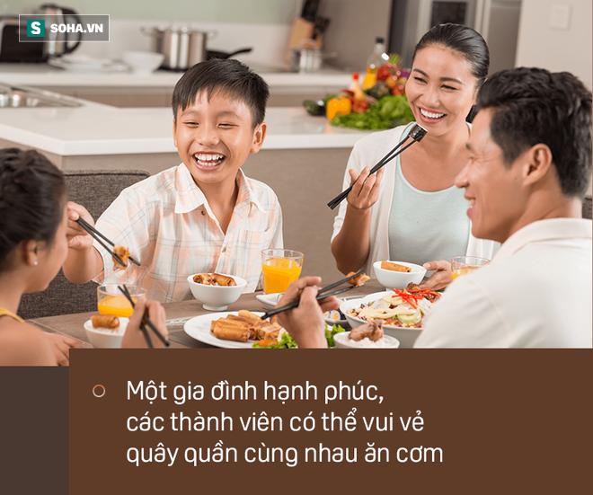 Muốn biết 1 gia đình hạnh phúc hay bất hạnh, chỉ cần nhìn vào 1 bữa ăn là có câu trả lời - Ảnh 1.