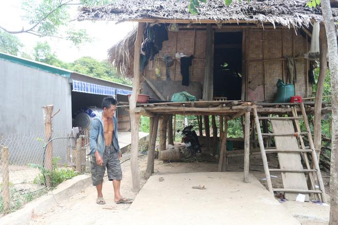 Nghệ An: Xây chuồng bò hơn 200 triệu đồng/chiếc, người dân ở nhà tranh - Ảnh 3.