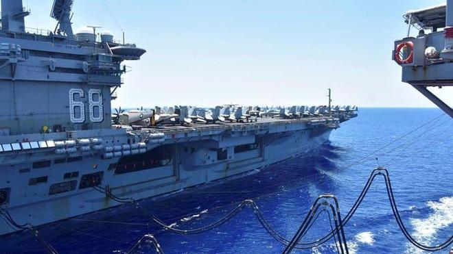 Rời biển Đông, tàu sân bay Mỹ tập trận chớp nhoáng với Ấn Độ - Ảnh 1.